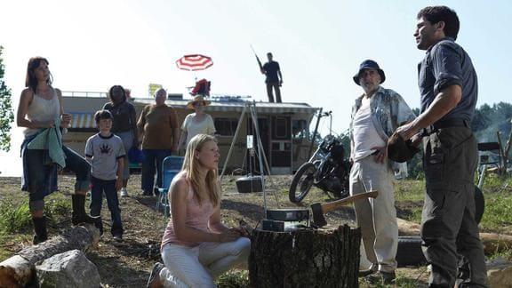 ウォーキング・デッド・シーズン1のメンバーがキャンプする様子