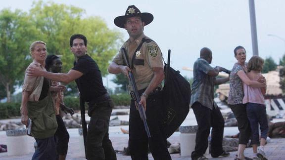 CDCに向かうリックと仲間たち