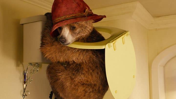 映画『パディントン』トイレを壊してしまったパディントン