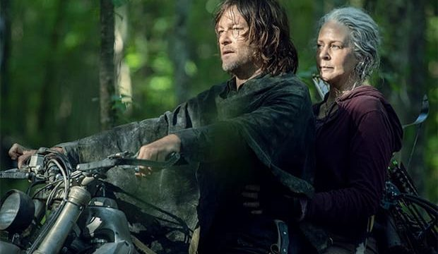 『ウォーキング・デッド』バイクに乗ったダリルとキャロル
