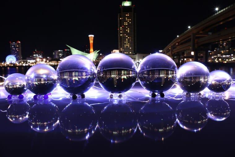 夜景と美しい水晶玉