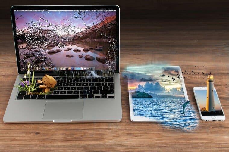 パソコン・タブレット・スマホのファンタジー画像