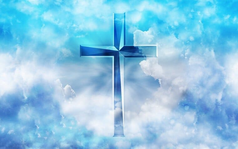 青空と輝く十字架