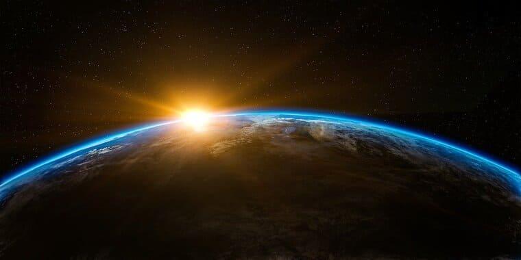 地球に降りそそぐ光